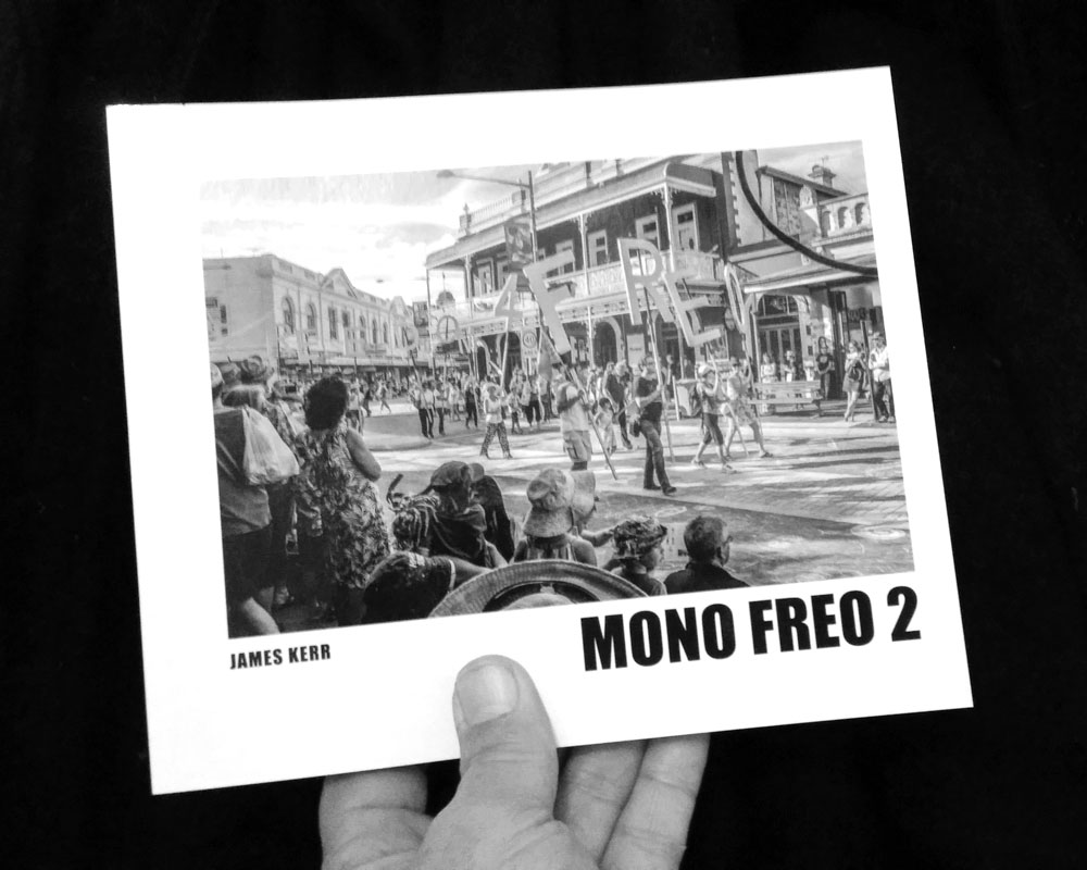 monofreo 2 photo book with hands