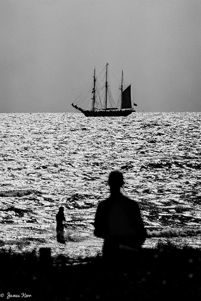 leighton beach ship