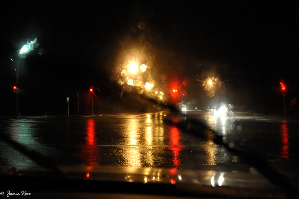 freo wet road at night